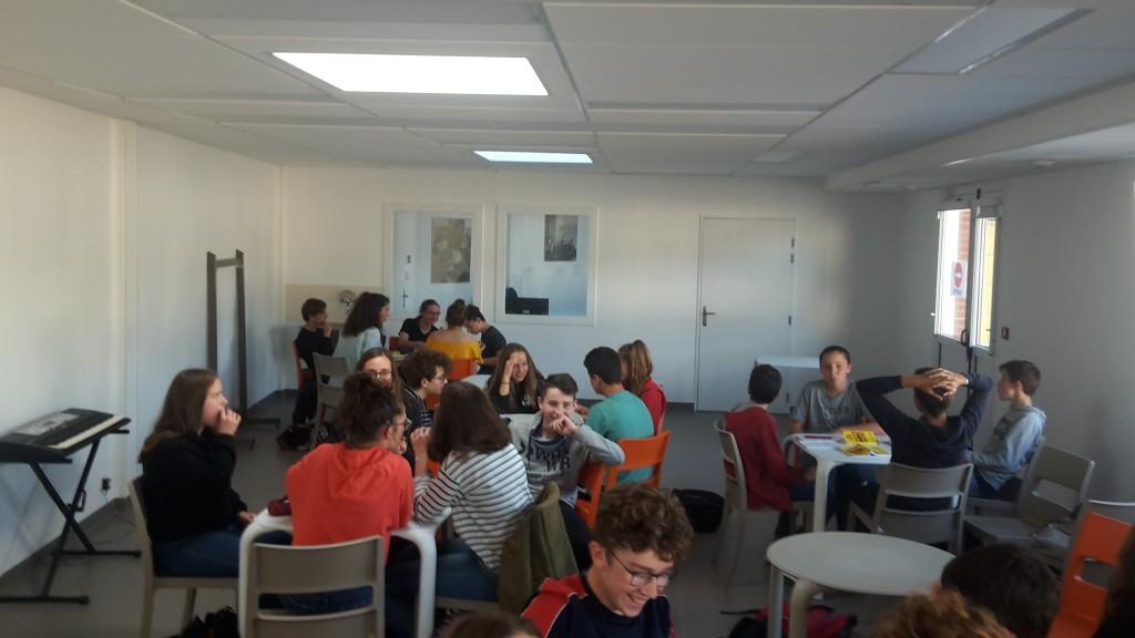 Café littéraire en 3ème Bain-de-Bretagne (5)