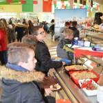 repas italien collège Bain-de Bretagne Self Italie (15)